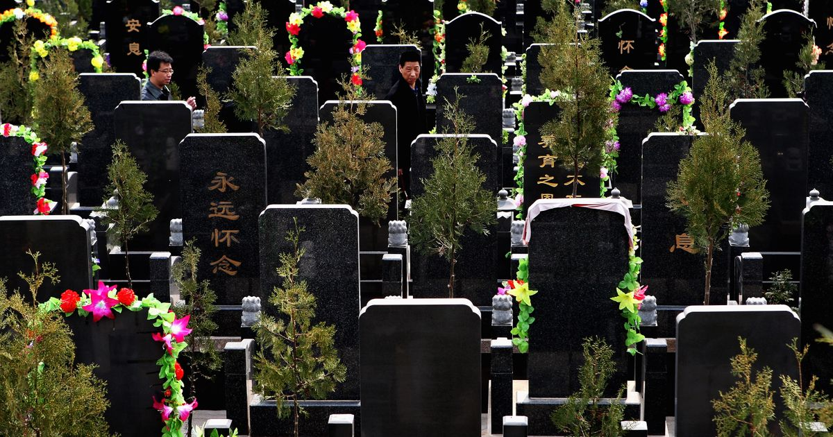 Top 6 Benefits You Get When Hiring Best Funeral Team
