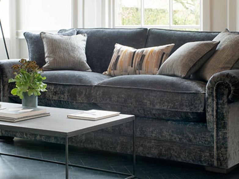 Sofa: A Midas' touch to Modern Homes