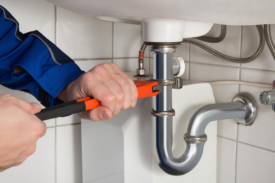 Why Hiring A Plumber Is A Smart Decision?